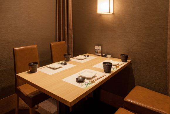 テーブル席の完全個室